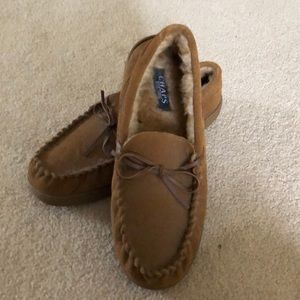 Men's slippers size 8-9